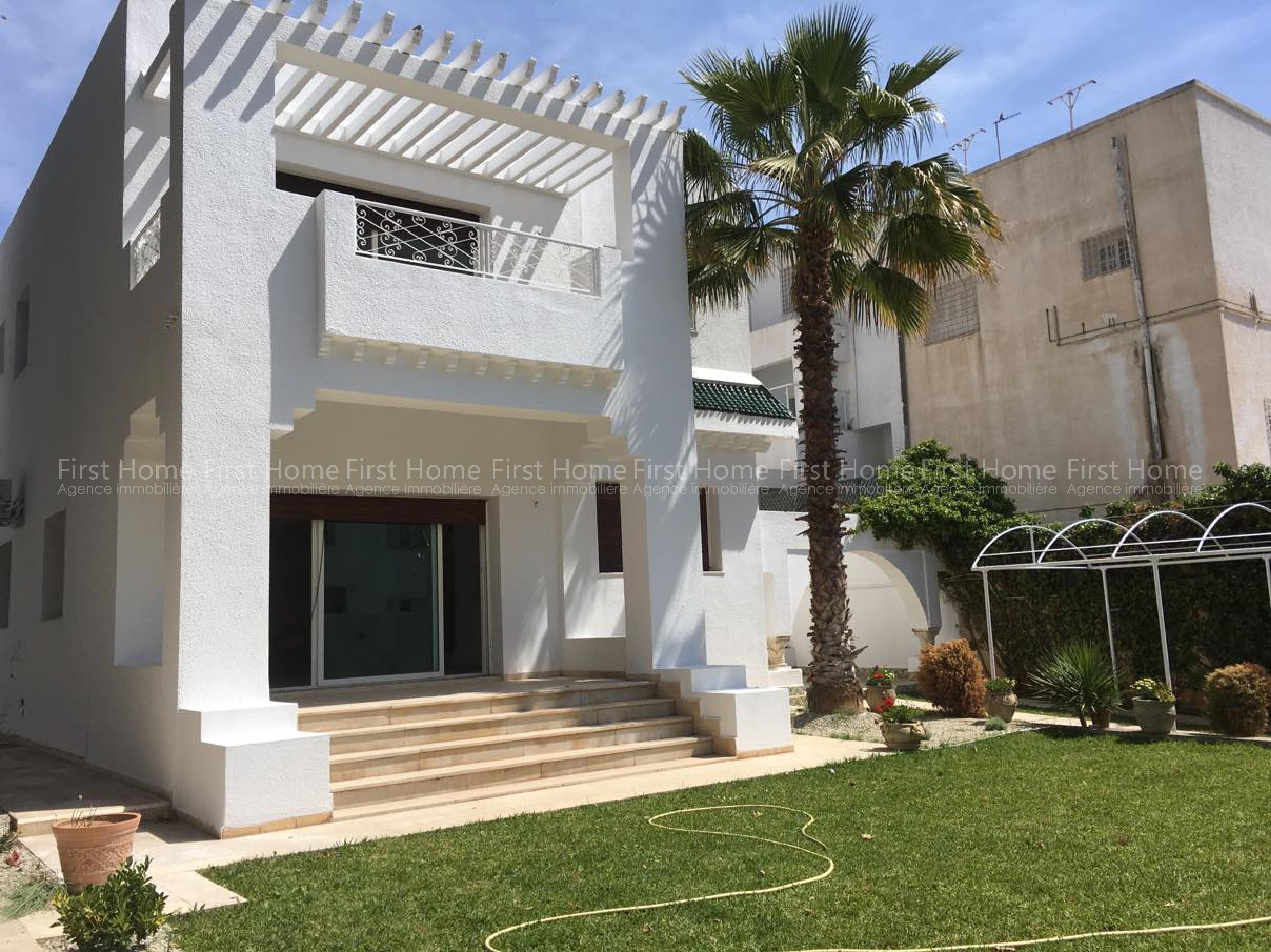 Magnifique Villa sise à Ennaser 1 est en location