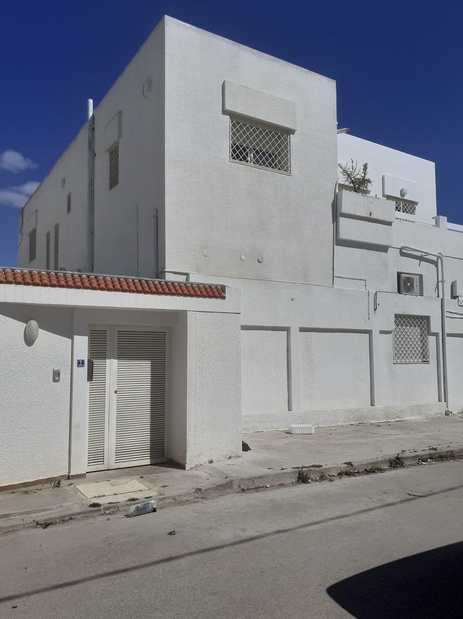 A vendre une villa à la Soukra