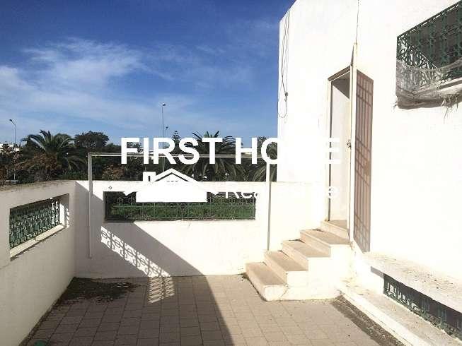 Splendide villa S+4 de 650 m2 en vente à Mutuelleville