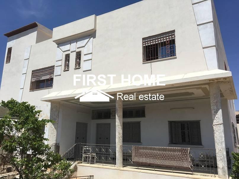Une villa de 500 m2 est en vente à Sfax