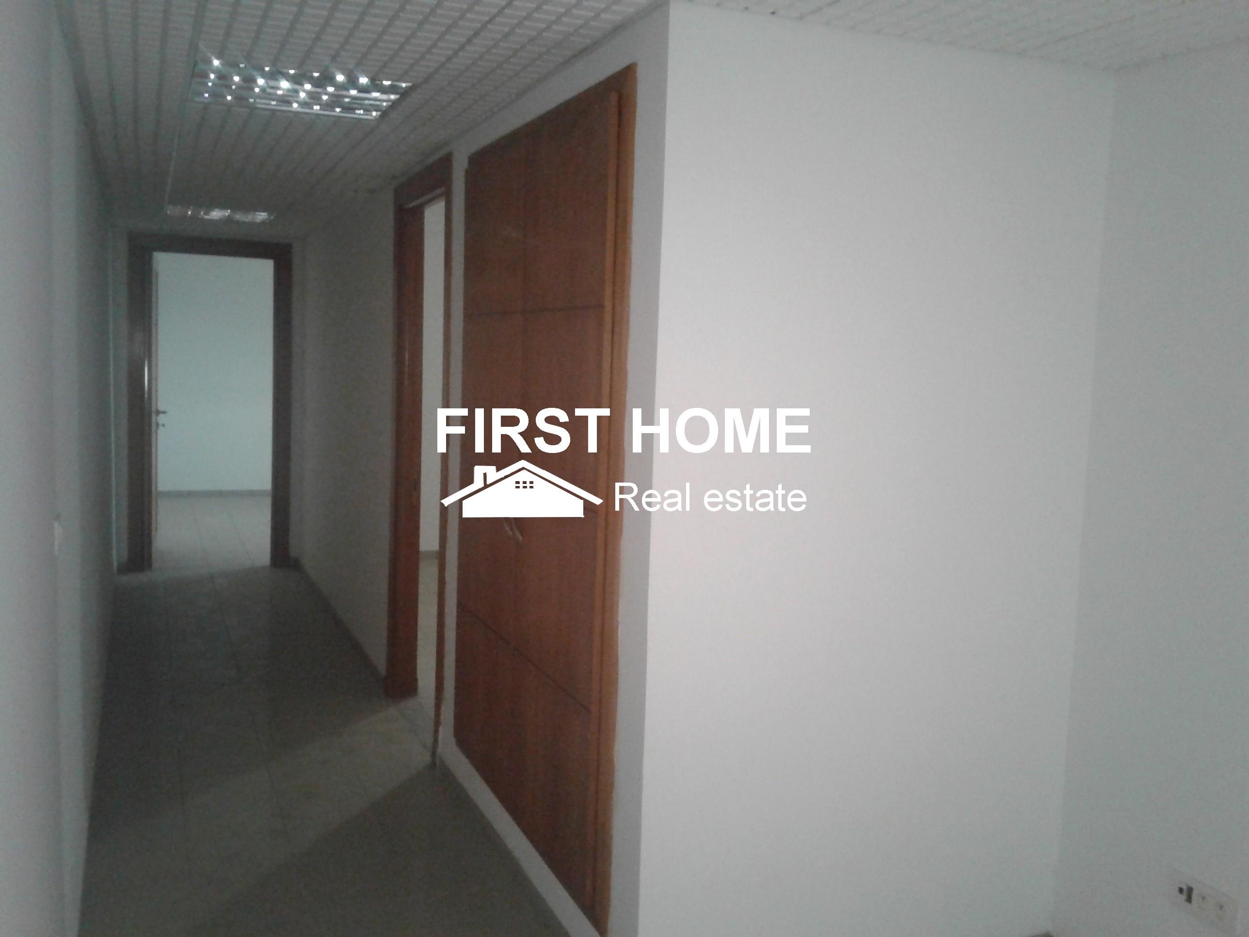 Un Bureau de 130 m² en location à El Menzah 1