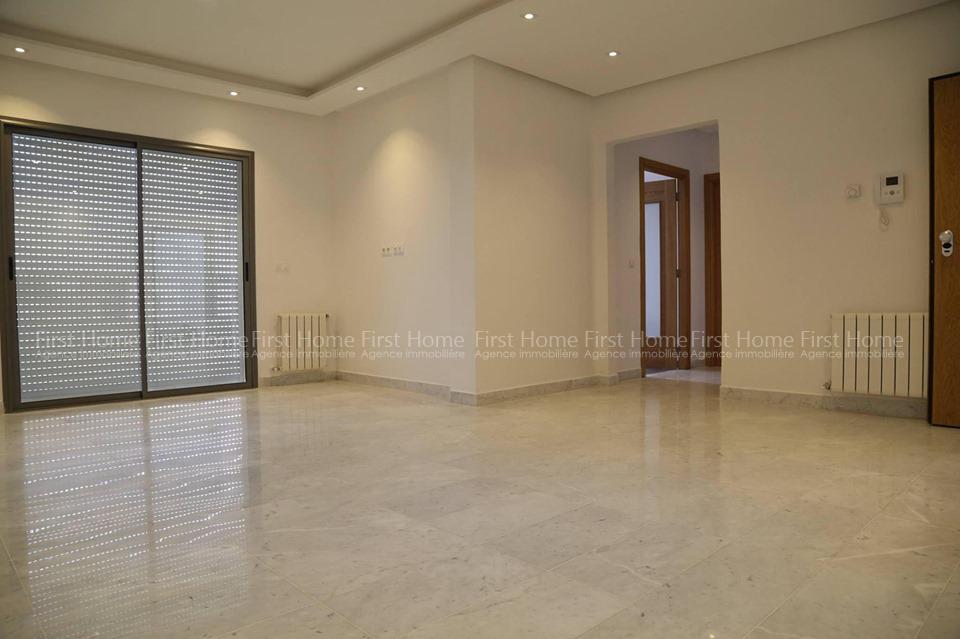 A Vendre un bel appartement S+2 à La Soukra Park